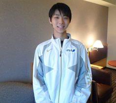 https://www.facebook.com/photo.php?fbid=602231339824114&set=a.147462221967697.24339.143718759008710&type=1&relevant_count=1 ANA.Japan 羽生結弦選手(ANA)がソチオリンピック日本代表に決定しました☆ 「温かいご声援 本当にありがとうございました!ソチでも精一杯自分の演技をしたいと思います」 ~情報~ 「ソチオリンピック日本代表応援」特別展示を羽田空港で開催いたします☆ 詳細はこちらから→http://ana.ms/1igX1xQ