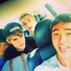 Hahaha I love their faces here!!