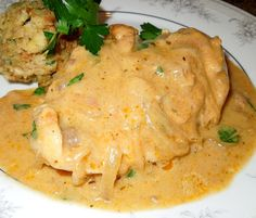 Serve this down home Smothered Chicken And Gravy with your favorite Southern sides for a meal that's guaranteed to be family pleasing. Smothered Chicken, Chicken Gravy, Baked Chicken, Chicken Recipes, Turkey Recipes, Chicken Meals, Turkey Dishes, Chicken Breast And Gravy Recipe, Chicken Fajitas