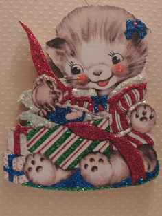 Happy Cat Gets A Xmas Doll In Box Glittered Christmas Ornament Vtg Card IMG
