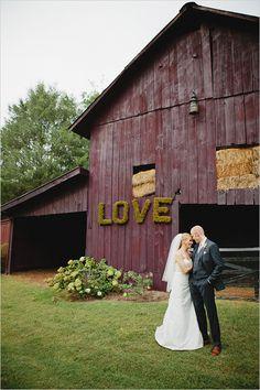 O casamento no campo é romântico e inesquecível