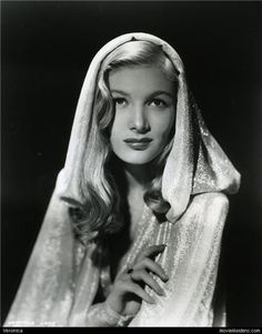 Veronica Lake ✾ by Vintage-Stars Old Hollywood Glamour, Golden Age Of Hollywood, Vintage Hollywood, Hollywood Stars, Classic Hollywood, Hollywood Cinema, Veronica Lake, The Veronicas, Look Vintage