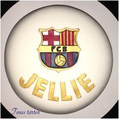 Fotbollstårta med Barca-emblem till 18-åringa Jellie #cake  #cake #tårta #torta #pastel #barcelona #barca #fcb #white #diy #gold #18 #tinastårtor