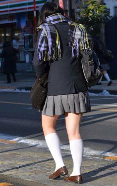 School Girl Japan, School Uniform Girls, Girls Uniforms, Cute Skirts, Plaid Skirts, Mini Skirts, Teen Mini Skirt, Japanese Mythology, Pantyhose Fashion