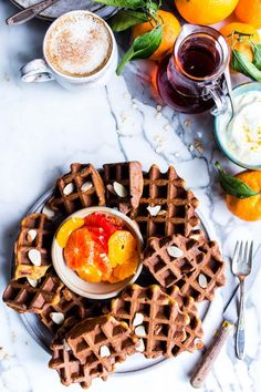 The easiest healthy waffle recipe bursting with citrus! Made with almond and oat flour and a hint of orange juice and zest, these healthy almond orange oat waffles are freezer friendly and so easy to make! This recipe is vegan and easily gluten free. Healthy Waffles, Gluten Free Waffles, Gluten Free Oats, Gluten Free Baking, Dairy Free, Cheesecakes, Vegan Breakfast Recipes, Vegetarian Breakfast, Kuchen