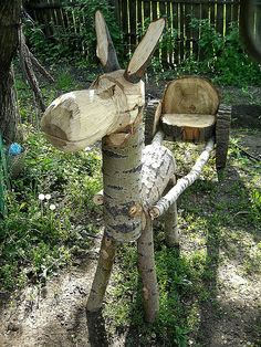 27 Easiest Woodworking Projects For Beginners - The Saw Guy DIY wood craft projects are for just about every room in your home. These ideas offer something for everyone. Find the best designs for 2018 Wood Log Crafts, Diy Wood Projects, Garden Projects, Wood Animal, Wood Logs, Outdoor Crafts, Beginner Woodworking Projects, Popular Woodworking, Fine Woodworking