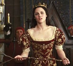 Kristen Stewart - in Snow White and the Huntsman - Costume designed by Colleen Atwood