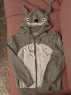 Una sudadera de Totoro. Yo quiero una!