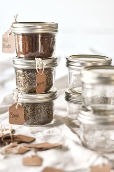 Mason Jar Spice and Herb Storage Ready to get organized? Learn how to organize your spices and herbs with mason jars and pretty handwritten labels. Best Spice Rack, Diy Spice Rack, Spice Storage, Diy Kitchen Storage, Diy Storage, Storage Ideas, Storage Hacks, Mason Jar Storage, Mason Jars