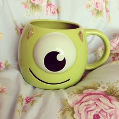 ♡ Disney monsters inc. mug Cute Coffee Mugs, Cool Mugs, Tea Mugs, Coffee Cups, Disney Tassen, Disney Cups, Cute Cups, Monsters Inc, Mug Cup