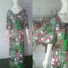 Lindo vestido longo com manga evase. Somente 69 reais. 🌟🌟 Venha nos…