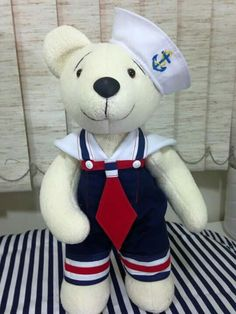 Urso marinheiro Felt Animals, Doll Clothes, Teddy Bear, Irene, Baby, Holidays, Felt Dolls, Fabric Dolls, Nautical Party