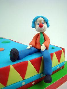 http://dulcesmodelados.files.wordpress.com/2014/04/tarta-circo-3.jpg