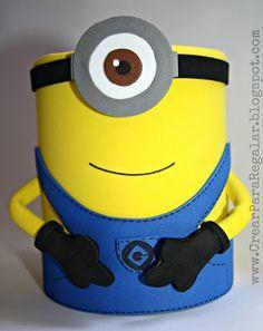 Podemos reciclar un bote de Nesquik haciendo un minion en goma eva para usarlo como portalápices. Minion Theme, Minion Birthday, Minion Party, Tin Can Crafts, Diy And Crafts, Diy For Kids, Crafts For Kids, Minions Friends, Minion Craft