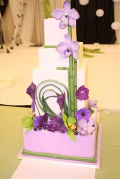 Fresh, modern spring inspired wedding cake.    http://thecakemuseum.ca/blog/2012/11/spring-is-in-the-air-lilac-and-bamboo/