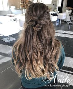 Bronde ombre hair with a bohemian updo & braid by Maison Maite, hair color & hair extensions specialist : www.maisonmaite.com Braided Updo, Ombre Hair, Updos, Hair Extensions, Braids, Hair Color, Dreadlocks, Bohemian, Long Hair Styles
