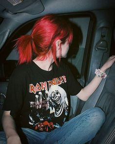 Red hair redhead shirts, lipstick colors for redheads, eye makeup red hair - Hair - Lipstick Red Weave Hairstyles, Greaser Hairstyles, Formal Hairstyles, Wedding Hairstyles, Fringe Hairstyle, Retro Hairstyles, Updo Hairstyle, Wedding Updo, Hairstyle Ideas