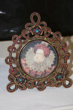 JAY STRONGWATER ROUND LOOP PICTURE FRAME  ENAMEL & CRYSTALS