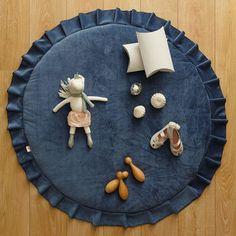 kids velvet playmat by grattify - - kids velvet playmat by grattify Oh Baby! Baby Bedroom Furniture, Baby Nap Mats, Kids Inspire, Unicorn Crafts, Baby Sewing Projects, Baby Couture, Nursery Room Decor, Kids Room Design, Diy Pillows