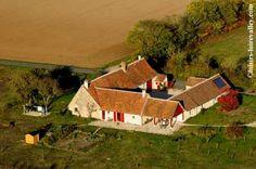 Vie aérienne de la frme viticole avec Chambres d'hôtes à vendre à Cormeray en Loir-et-Cher