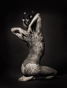 Tattoo Girls, Girl Back Tattoos, Lower Back Tattoos, Tattoo Photography, Nude Photography, Full Body Tattoo, Body Art Tattoos, Tatoos, Yakuza Tattoo