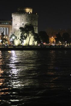 White Tower (Thessaloniki, Greece) by take the fork, via Flickr