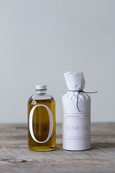 Graphic design and packaging: olive oil bottle Olive Oil Packaging, Bottle Packaging, Pretty Packaging, Beauty Packaging, Brand Packaging, Design Packaging, Product Packaging, Wine Packaging, Paper Packaging