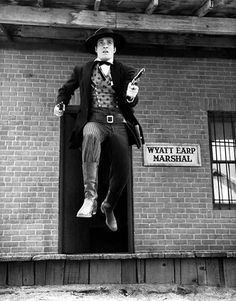 Hugh O'Brian - Wyatt Earp