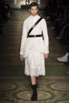 Simone Rocha Autumn/Winter 2017 Ready-to-wear Collection | British Vogue