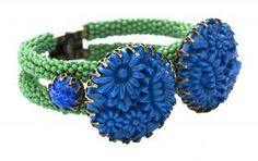 De Luxe Double Flower Cuff r0017454 green/blue double flower cuff