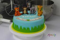 #Ponque de Animalitos, para celebrar sus primeros 6 meses.  www.mocka.co  #mocka #pasteleria #animalcake #cake #cakeshop #animalitos #tortainfantil #ponqueinfantil #tortadecorada #birthdaycake #ponquecumpleaños #ponqueanimalitos