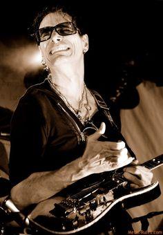 Steve Vai Xmas Songs, Black Hole Sun, Joe Satriani, Eric Johnson, Steve Vai, Live Rock, Fleetwood Mac, Namaste, Heavy Metal