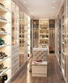 64 Ideas luxury closet design modern for 2019 Walk In Closet Design, Bedroom Closet Design, Master Bedroom Closet, Closet Designs, Bedroom Decor, Luxury Bedroom Design, Bedroom Wardrobe, Closet Rooms, Master Bedrooms