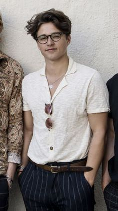 BS🎵 Trendy Outfits, Summer Outfits, Fashion Outfits, Fashion Shoes, Bradley The Vamps, Style Hipster, Bradley Simpson, Look Man, Mode Streetwear
