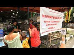 Video Warung Shodaqoh Gratis Seorang hamba Allah mendirikan warung shodaqoh GRATIS bagi para fakider miskin & kaum dhuafa di Pekalongan dengan maksud memberi makanan bergizi bagi mereka.