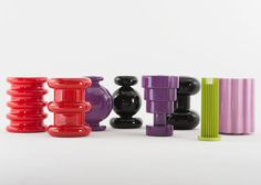 Kartell presents new Sottsass furniture in Memphis exhibition