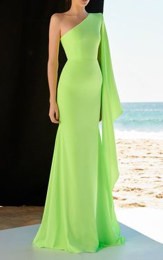 Get inspired and discover Alex Perry trunkshow! Shop the latest Alex Perry collection at Moda Operandi. Elegant Dresses, Pretty Dresses, Formal Dresses, Casual Dresses, Wedding Dresses, Bridesmaid Gowns, Wedding Outfits, Simple Dresses, Pretty Outfits
