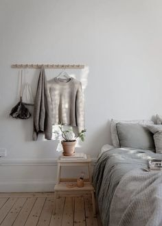For the Home - scandinavian interiors Post: Estilo nórdico hygge --> danish hygge, dansk hygge, deco Scandinavian Interior Bedroom, Design Scandinavian, Danish Interior Design, Scandinavian Living, Danish Design, Danish Bedroom, Hygge Home, Interiores Design, Bedroom Decor