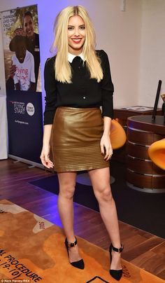The blonde looked lovely in a brown leather mini skirt and black blouse as she joined fellow stars at the Comic Relief bash in London. Leather Dresses, Leather Mini Skirts, Blonde Singer, Fashion Advice, Fashion Outfits, Fashion Trends, Mollie King, King Fashion, Evening Outfits