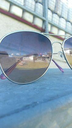 Een foto in mijn zonnebril, op vakantie. (Druk op het hartje als je deze foto leuk vind )