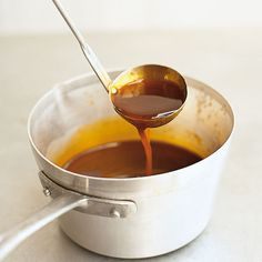 Dark meat stock - Veal and beef bones, roasted golden brown and boiled out in peace, are the secret of a strong meat - Vegan Cheese Fondue Recipe, Fondue Recipes, Steak Recipes, Chicken Recipes, Cooking Recipes, Teriyaki Chicken Rice Bowl, Hibachi Chicken, Gourmet Appetizers, Beef Bones