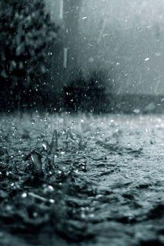 Rainy wallpaper by xhani_rm - - Free on ZEDGE™ Rainy Day Photography, Rain Photography, Amazing Photography, Photography Lighting, Rainy Mood, Rainy Night, Night Rain, Rainy Wallpaper, Hd Wallpaper