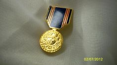VINTAGE MILITARY PIN ~ Free Shipping. REDUCED!