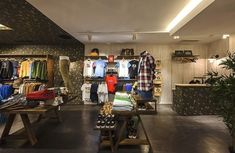 PPT Interiorismo Barcelona | Philpark Lleida | PPT Interiorismo Barcelona Showroom Design, Home Decor, Ideas, Rock Paper Scissors, Wooden Cubes, Cover, Shop Displays, Interior Design, Decoration Home