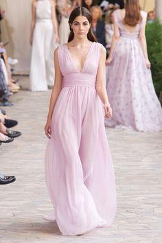 Luisa Beccaria at Milan Fashion Week Spring 2017 - Runway Photos London Fashion Weeks, Milano Fashion Week, Milan Fashion, Luisa Beccaria, Couture Dresses, Bridal Dresses, Fashion Dresses, Resort Dresses, Festa Party