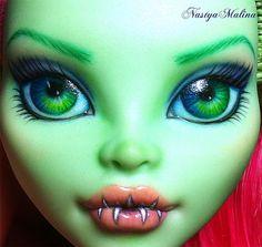 Venus McFlytrap faceup!