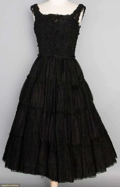 Black lace & tulle dress, sleeveless, sweetheart neckline on fitted bodice, circle skirt worked in alternating blocks. on Nov 2014 Lace Party Dresses, Tulle Dress, Vintage Dresses, Vintage Outfits, Vintage Clothing, Pierre Balmain, Balmain Paris, 1950s Fashion, Vintage Fashion