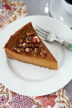 Vegan GF Pumpkin Pie with praline and coconut pecan crust