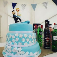 "5 Likes, 1 Comments - Claire Cannon (@claire_likes_cake) on Instagram: ""Surfers wedding cake #cakedays #cakedecorating #baking #weddingcakes"""