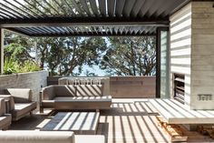 LOCARNO outdoor room system // New Zealand architecture // Waiheke Island Outdoor Rooms, Outdoor Living, Indoor Outdoor, Outdoor Decor, Modern Outdoor Kitchen, Outdoor Bathrooms, Outdoor Pergola, Outdoor Furniture, Outdoor Areas